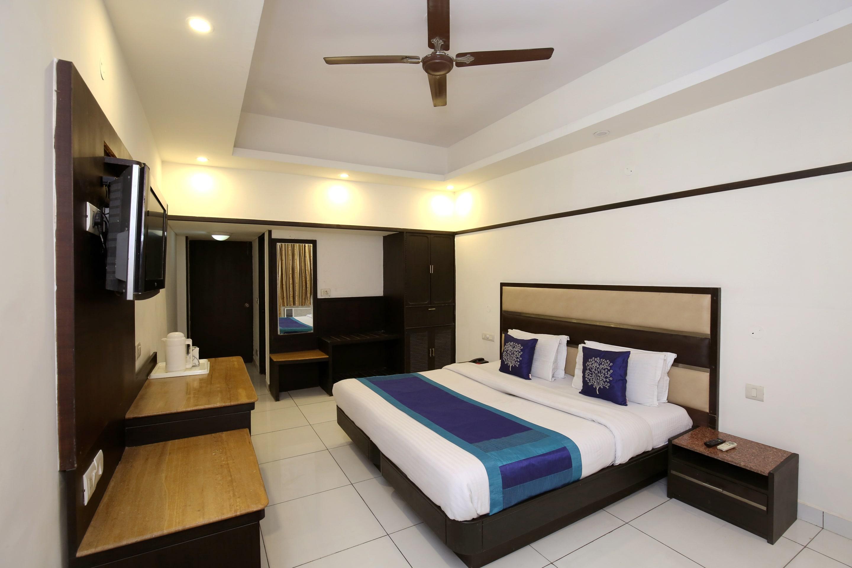 Oyo 10144 Hotel Southend in Chandigarh
