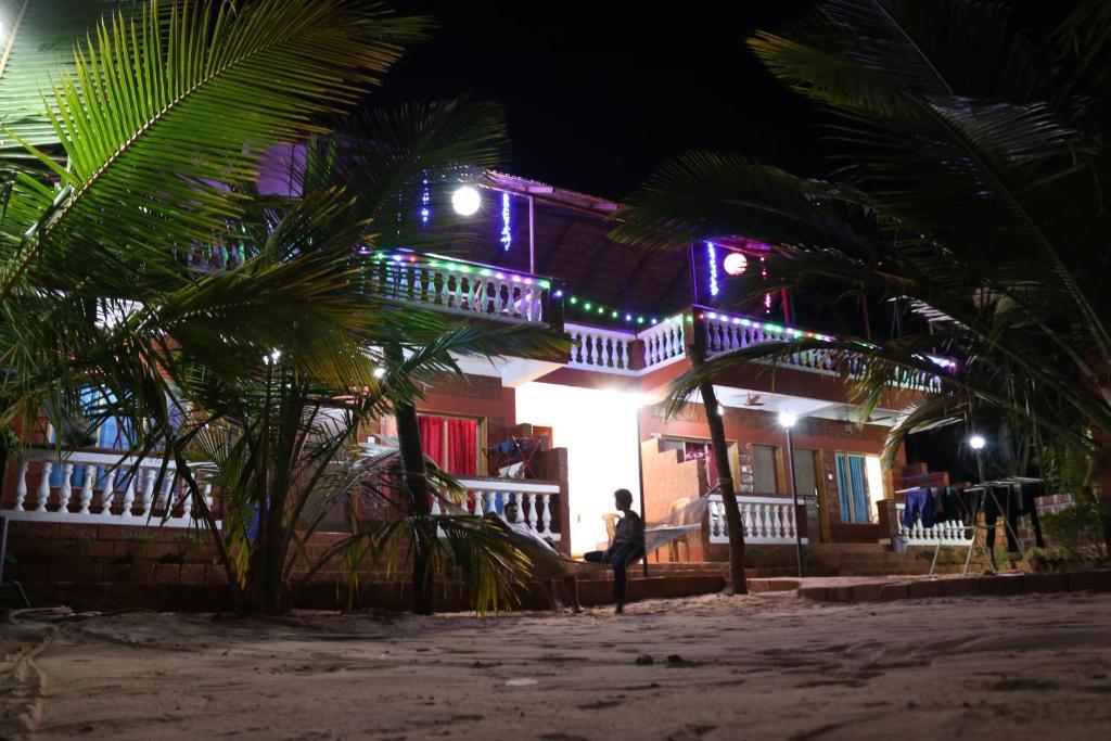 Blue Sea Beach Home's in Malvan