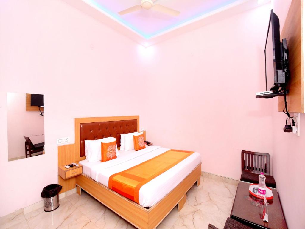 OYO 11497 Hotel Sharnam in Kharar
