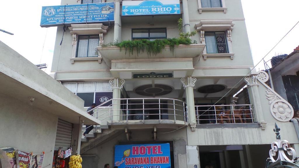 Hotel Rhio in Hosur