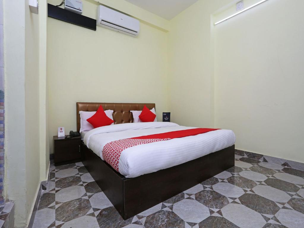 Oyo 11547 Hotel Mona Palace in Cuttack