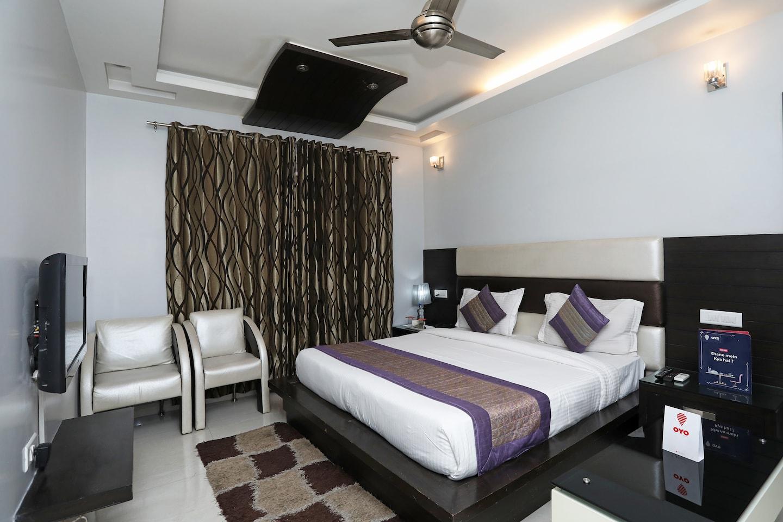 Oyo 11403 Hotel Daffodils in Gurugram