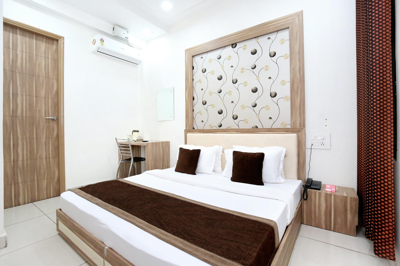 OYO 11882 Hotel Krishna in Bathinda