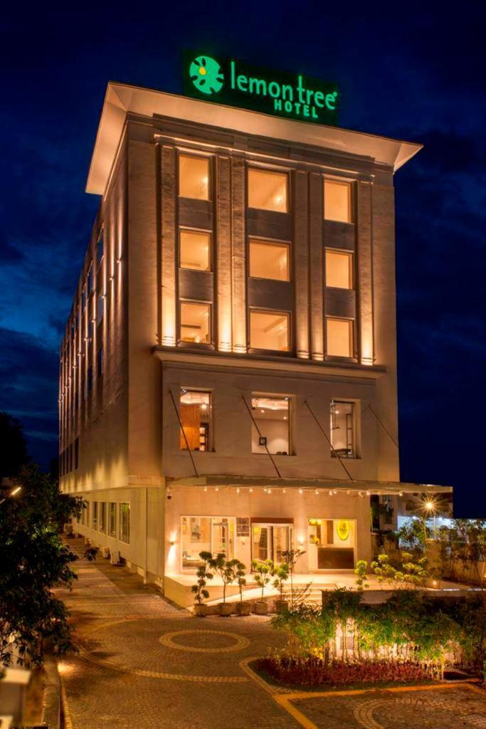 Lemon Tree Hotel Lucknow in Lucknow