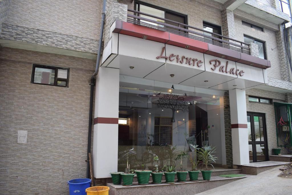 Hotel Leisure Palace in Rishikesh