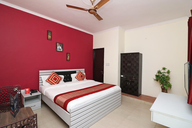 OYO 4787 Country Inn Stay in Faridabad