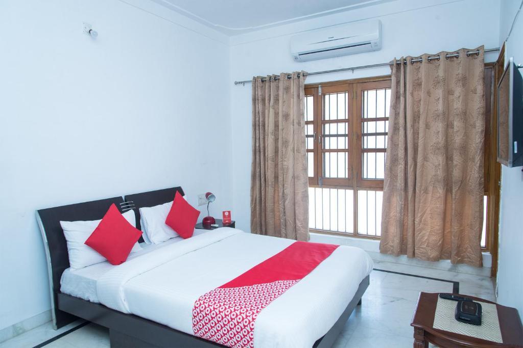 OYO 11064 Home Modern 3BHK Villa Goverdhan Vilas in Udaipur
