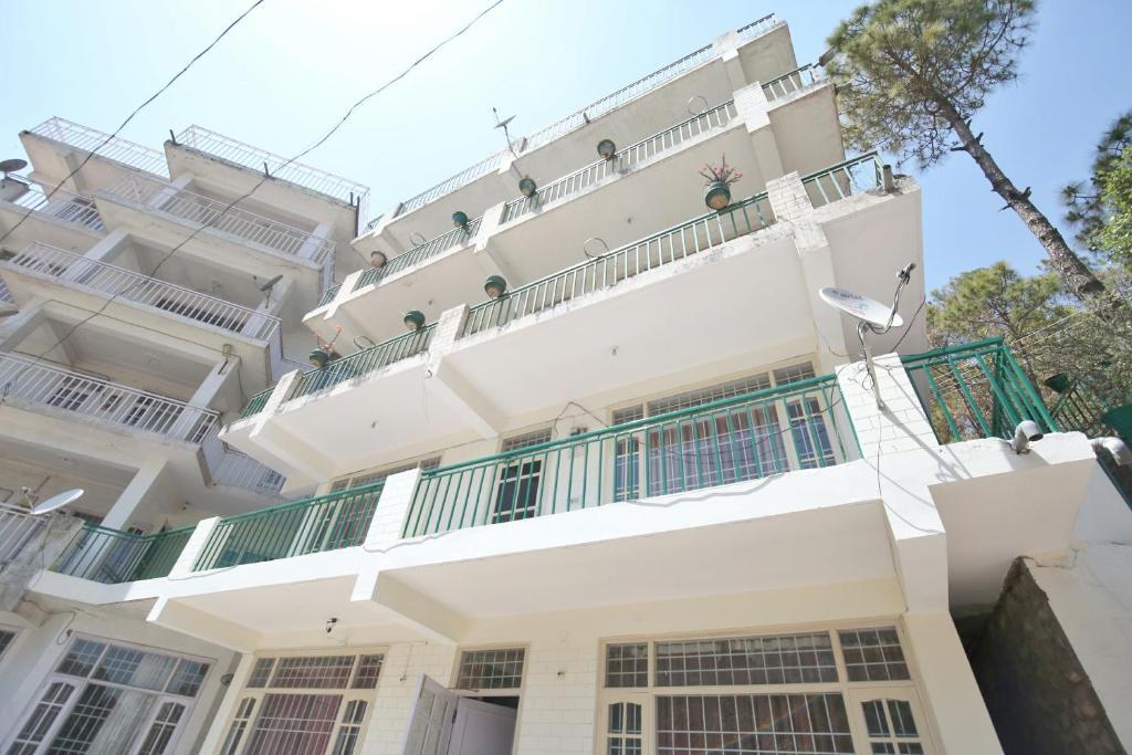OYO 14084 Home Zero Point 1 Rk in Kasauli