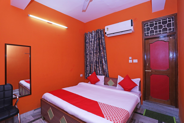 Oyo 12133 Hotel Shanti in Gorakhpur