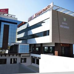 Hotel President in Chintpurni