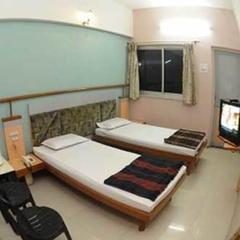 Hotel Shiv Parvati in Solapur