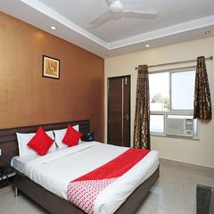 OYO 10588 Hotel Golden Square in Gwalior