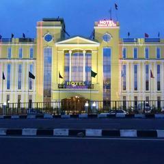Hotel Dhakad Empire in Dhar