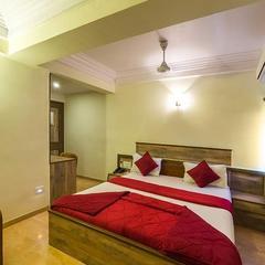 Hotel Royal Retreat in Vadodara