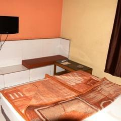 Hotel Paras in Ratibati
