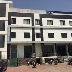 Hotel M L Palace in Kannauj