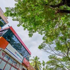 OYO Home 14757 Charming 2bhk in Kochi