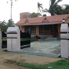 Kasim Cottage in Kuttalam