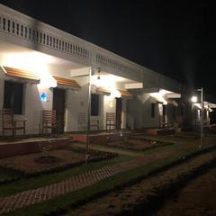 Meenakshi Vilas in Kuttalam
