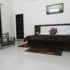 C.r. Delux Homestay With Free Parking And Wifi in Dalhousie