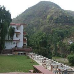 1 Br Bed & Breakfast In Gutkar, Mandi (2c51), By Guesthouser in Mandi