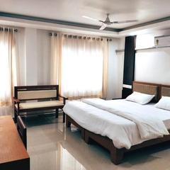Prajapuri Hotel in Trichur