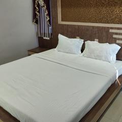 Oyo 25006 Hotel Tr Palace in Haldia