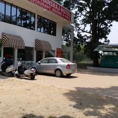 Krishna Hansraj Hotel in Una