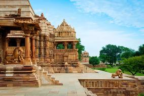 Varanasi to Khajuraho flights