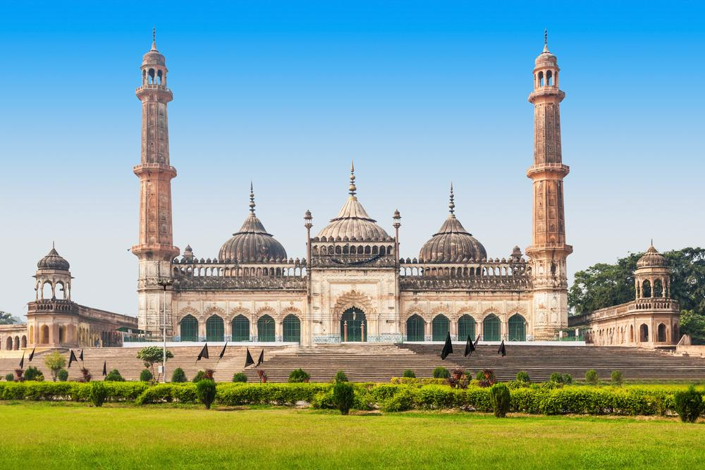 Sharjah to Lucknow flights