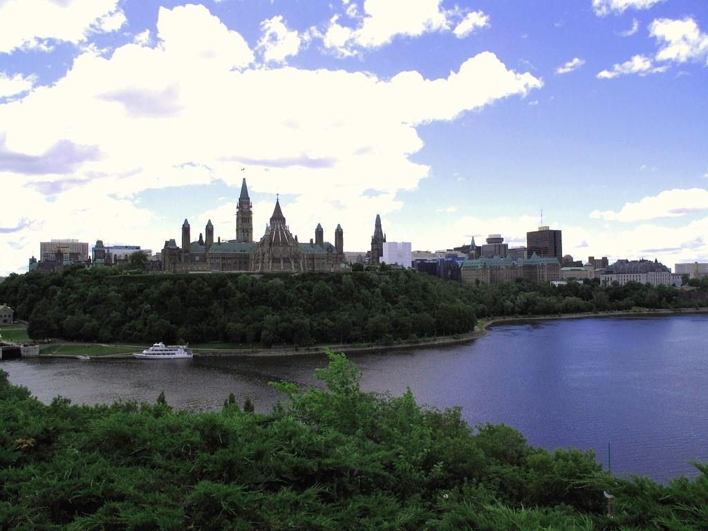 Toronto to Ottawa flights